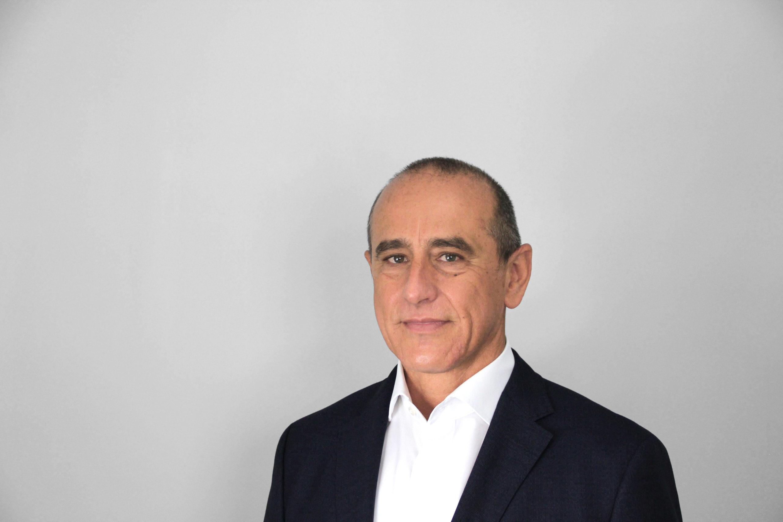 Portrait Thomas Nützel, Geschäftsführer, Elbit Systems Deutschland